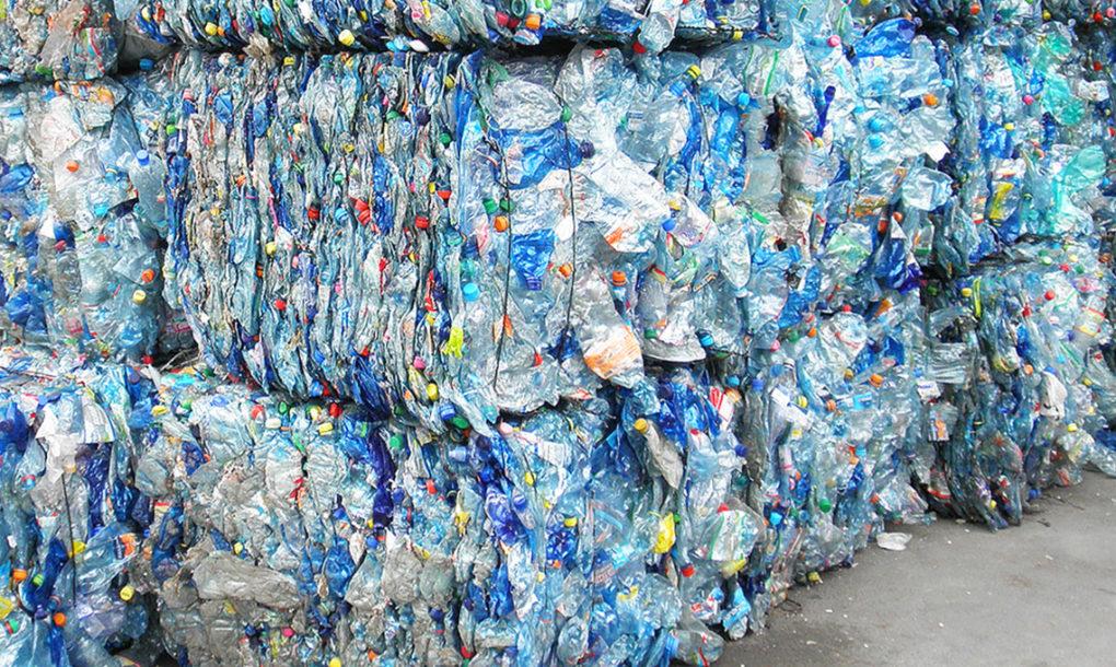 La nueva tecnología convierte los usos del plastico PET reciclado o desechos en material de grado virgen